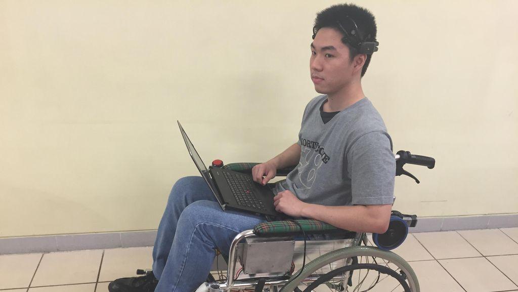 Begini Video Cara Kerja Kursi Roda yang Dikendalikan dari Otak