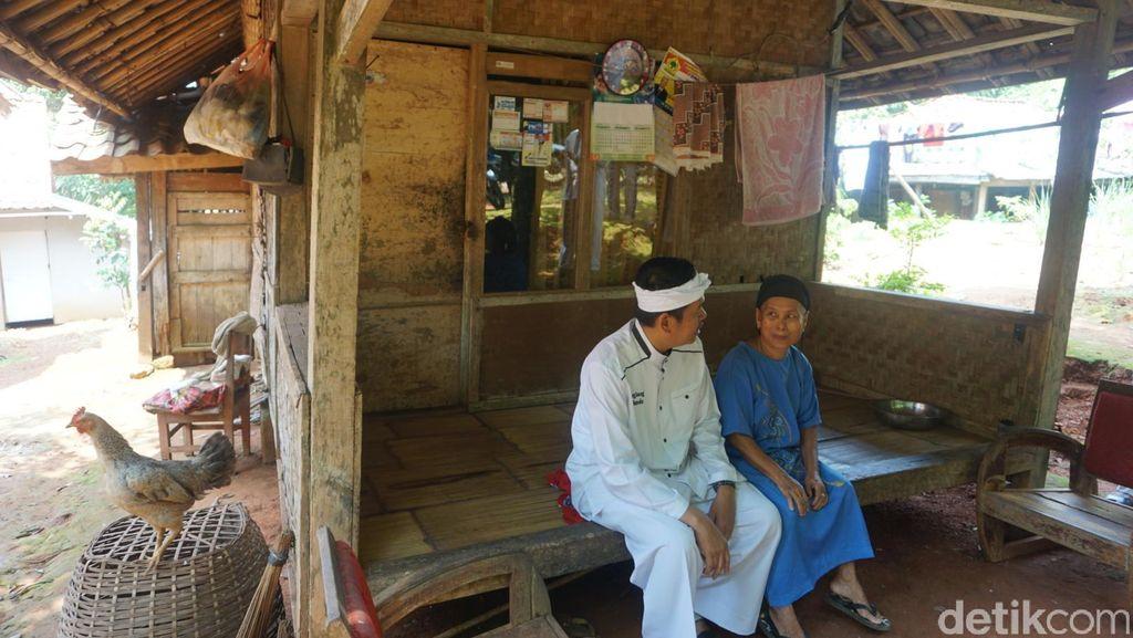 Didatangi Bupati Purwakarta, Mak Eli Kaget Dapat Bantuan Bedah Rumah