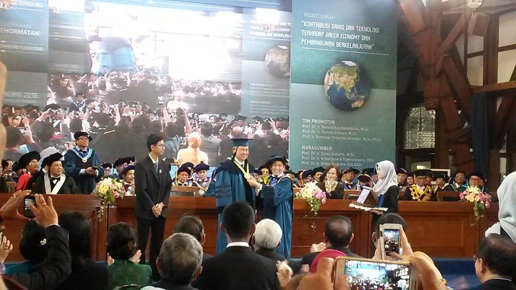 Pidato Ilmiah Gelar Honoris Causa di ITB, SBY Cerita tentang Film Alien