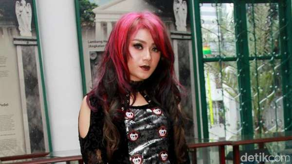 Dara The Virgin Gothic Banget, Yay or Nay?