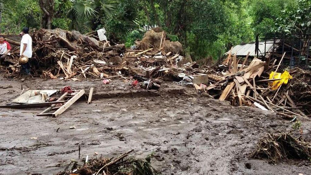 Banjir Bandang Sapu Dua Desa di Buleleng Bali, 21 Rumah Rata dengan Tanah