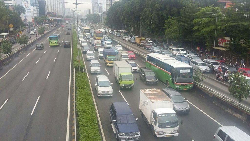 3 in 1 Dihapus, Arus Kendaraan Pribadi dari Bekasi ke Jakarta Semakin Deras?