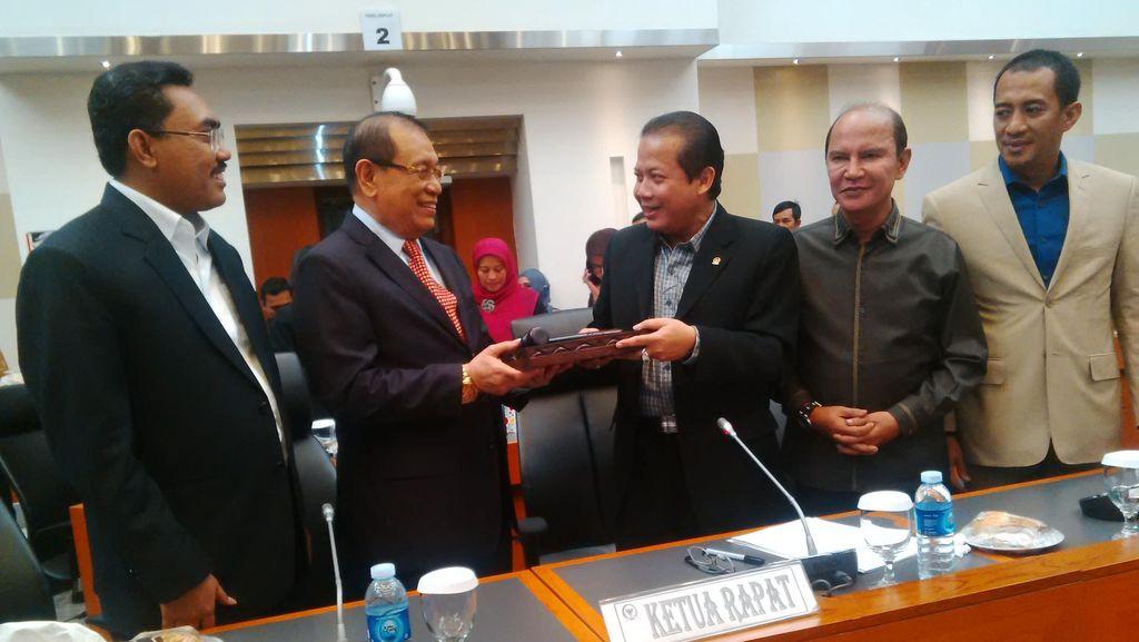 Taufik Kurniawan Lantik Kahar Muzakir Jadi Ketua Banggar DPR