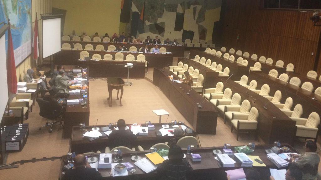 Diuji DPR, Calon Ombudsman Bicara Soal Netralitas Hingga Perbandingan KPK
