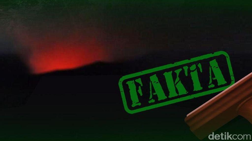 Sinar Api Menyala di Kawah Gunung Bromo, Benarkah?