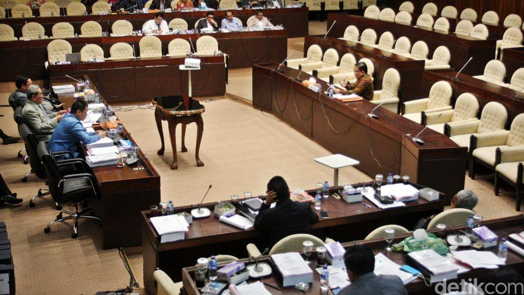 Komisi II DPR Pilih 9 Anggota Ombudsman, Salah Satunya Alvin Lie