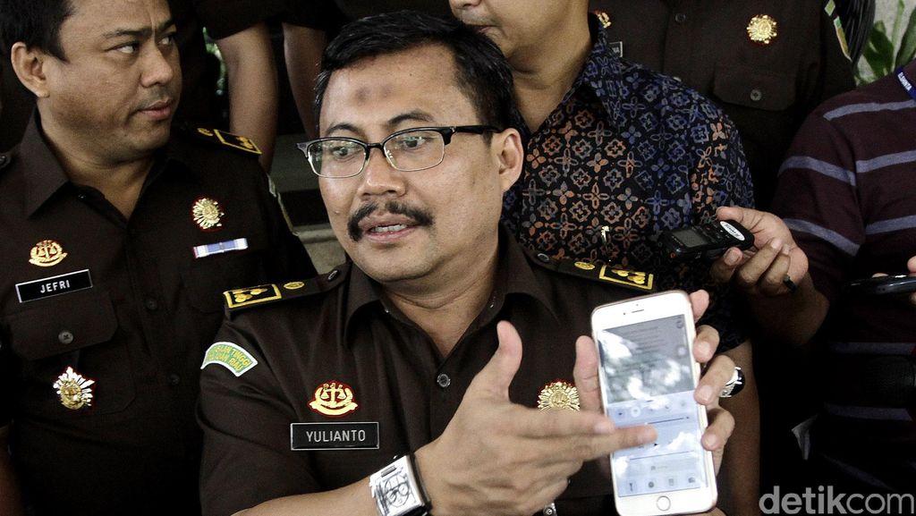 Jaksa Yulianto Datangi Bareskrim Beri Keterangan Terkait SMS Hary Tanoe