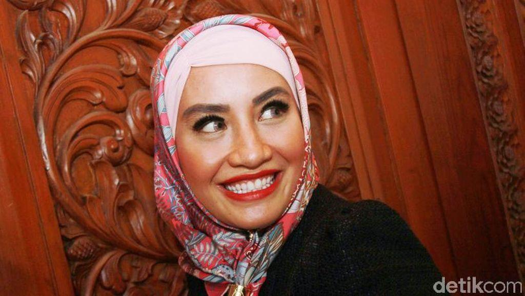 Sensasi Shinta Bachir: Cinta Terlarang eks Kapolda dan Tarif Rp 50 Juta