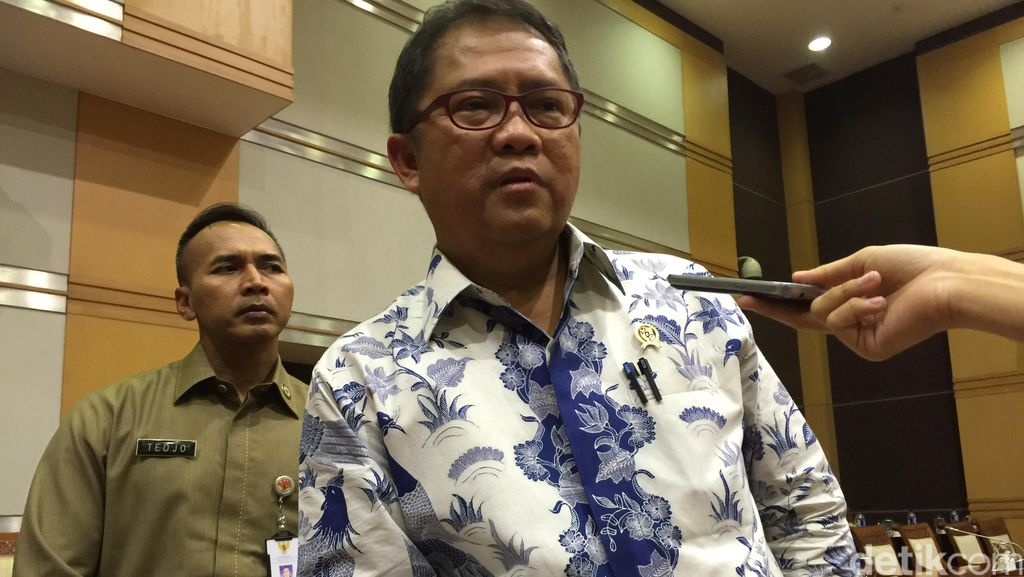 Soal Stiker LGBT, Menkominfo: LINE Harus Hormati Budaya Indonesia!