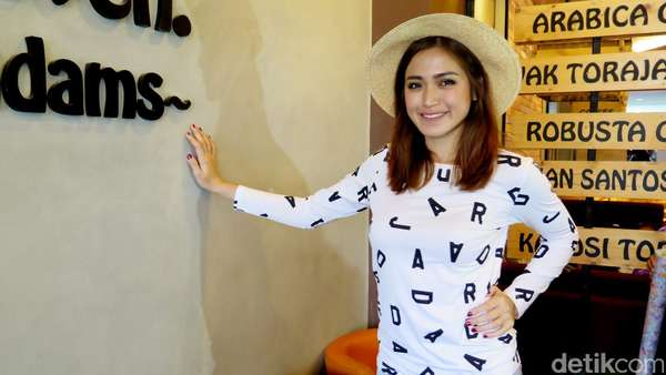 Jessica Iskandar Bercelana Robek, Yay or Nay?