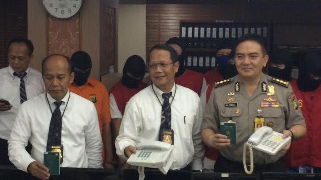 Polda Metro Bekuk Sindikat Penipuan Online Jaringan China di Surabaya