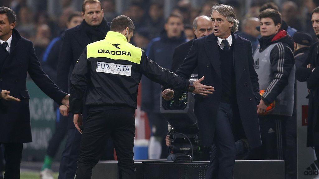 Manajemen Bersikukuh Mancini Bertahan di Inter Milan
