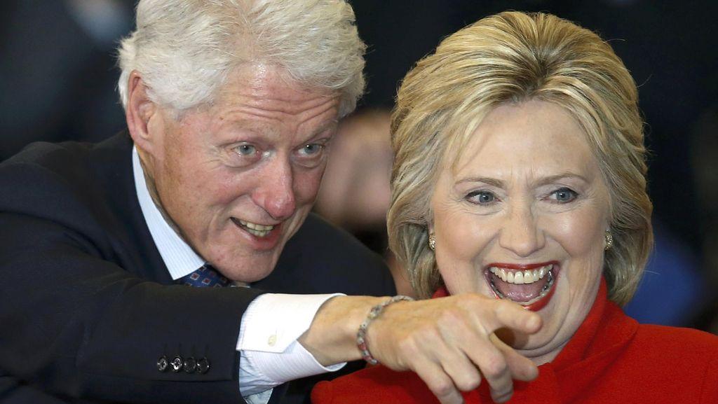 Tim Kampanye Klaim Hillary Clinton Menang Tipis di Pemilihan Awal Iowa