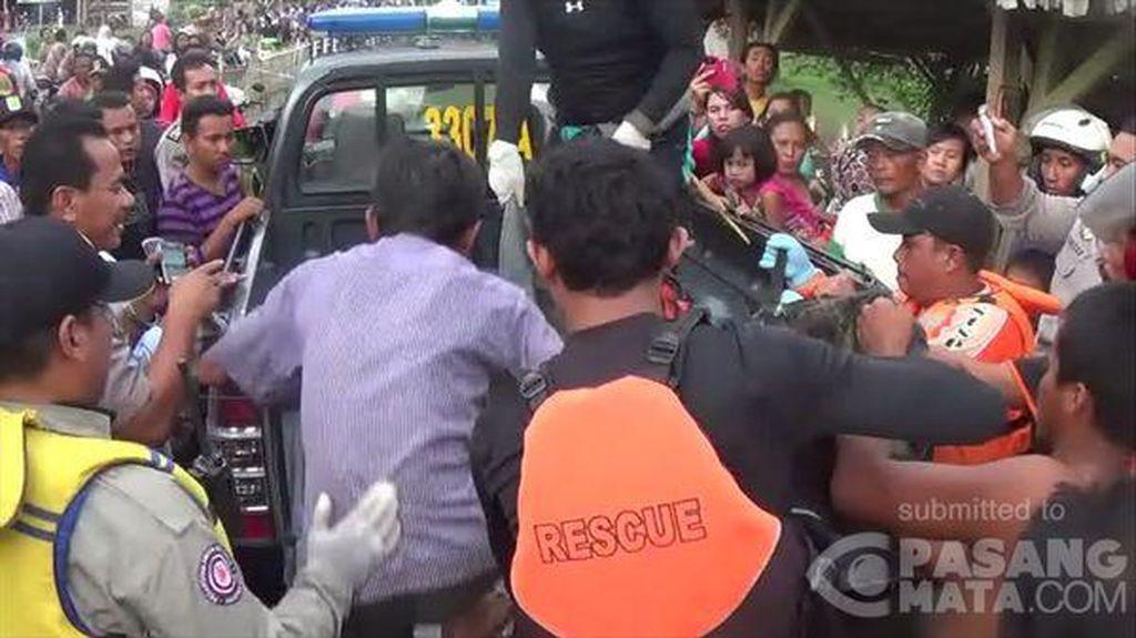 Jasad Wanita yang Bunuh Diri di Sungai Karawang Berhasil Ditemukan