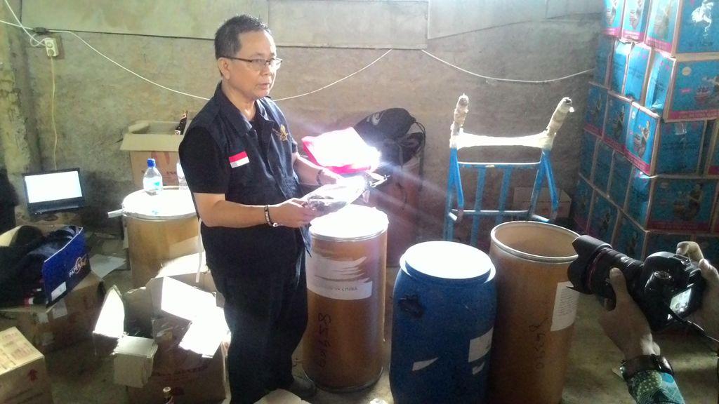 Pabrik Jamu Berbahan Kimia Berbahaya di Bogor Digerebek BPOM dan Polisi