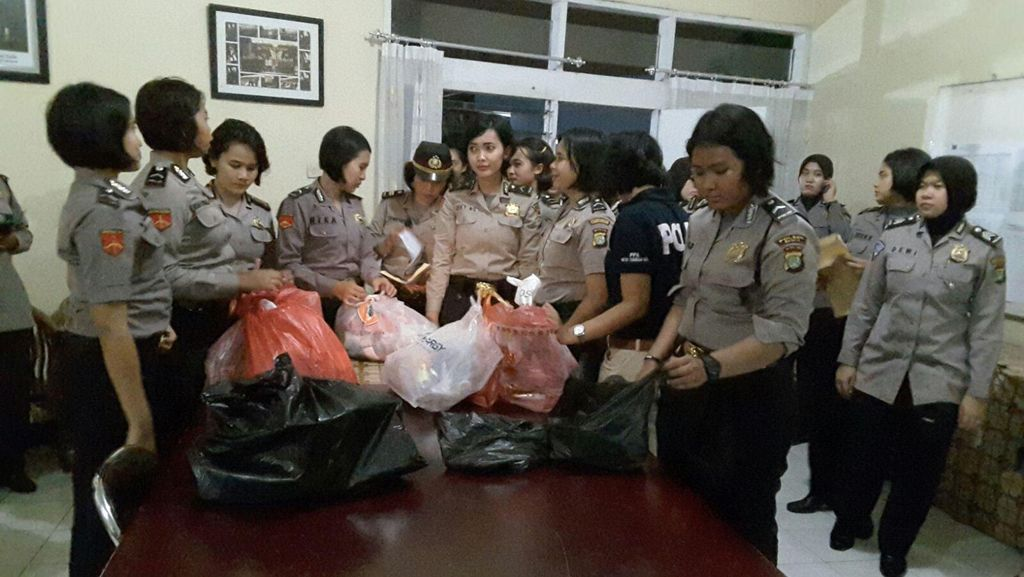 Puluhan Polwan Razia LP Tangerang, HP hingga Gunting Disita