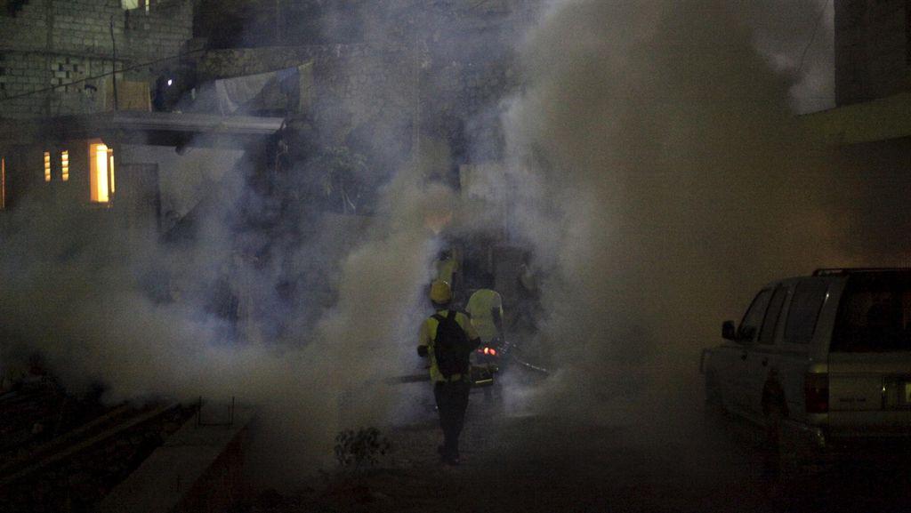 Inggris Wajibkan Penyemprotan Pesawat dari Negara Terdampak Virus Zika