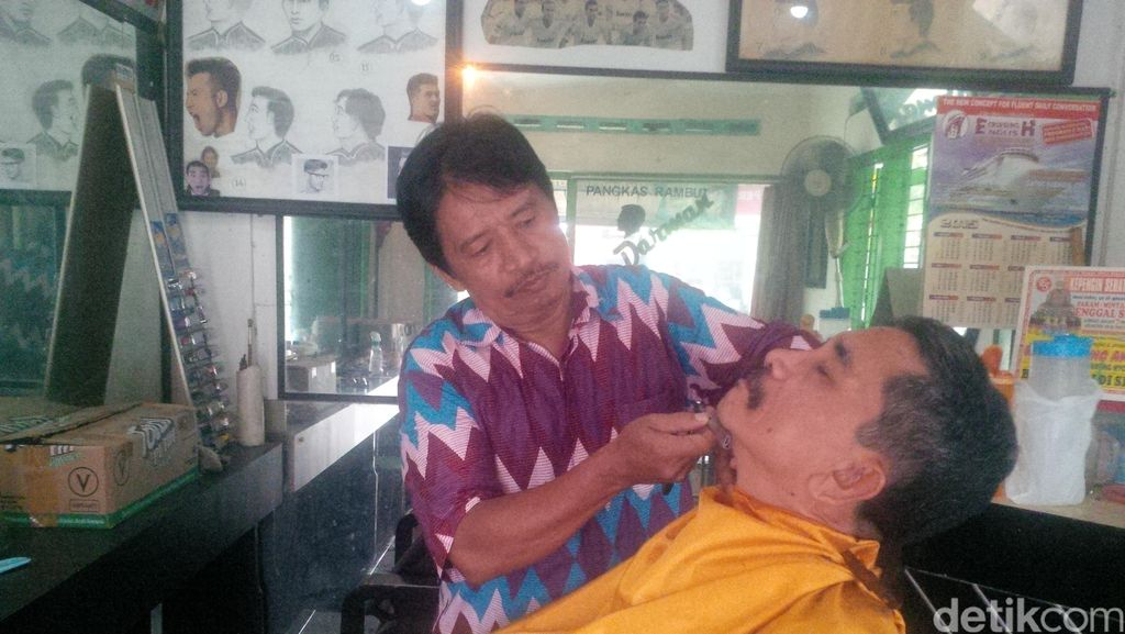Kisah Darman, Tukang Pangkas Rambut di Yogya Langganan Menteri hingga Raja