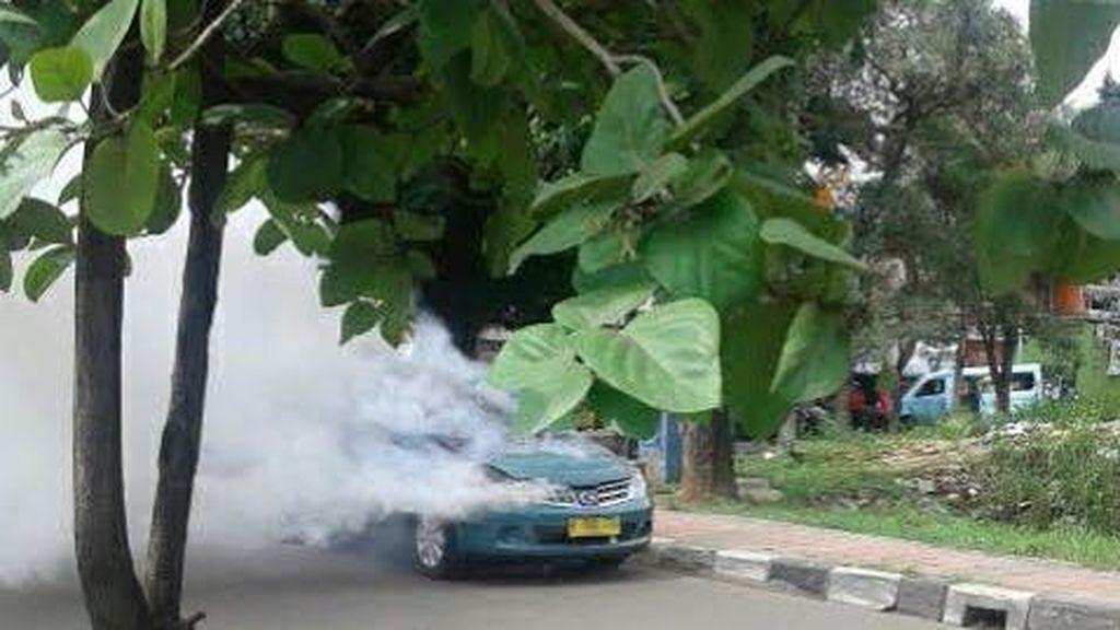 Ada Taksi Terbakar, Lalin Duren Sawit-Buaran Macet