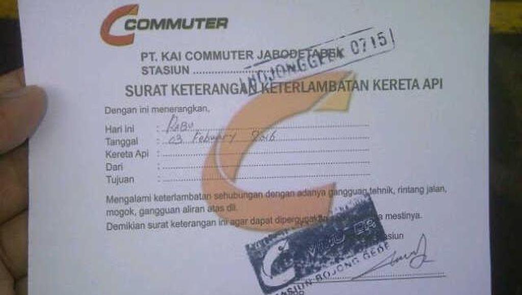 Commuter Line Gangguan Sinyal, Orang Kantoran Antre Minta Surat Terlambat