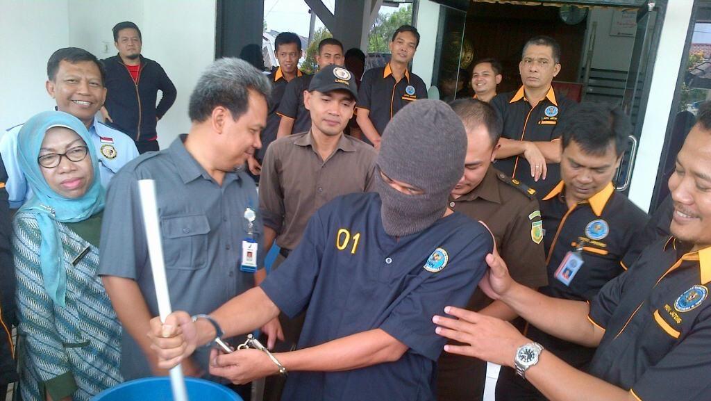 BNNP Jateng Musnahkan Sabu, Tersangka Diminta Aduk Larutan Narkoba