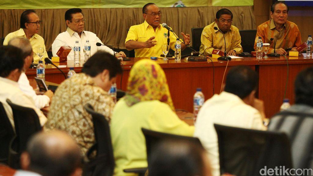 Agung Laksono: Tambah Roem Kono, Ada 12 Bakal Calon Ketum di Munas Golkar
