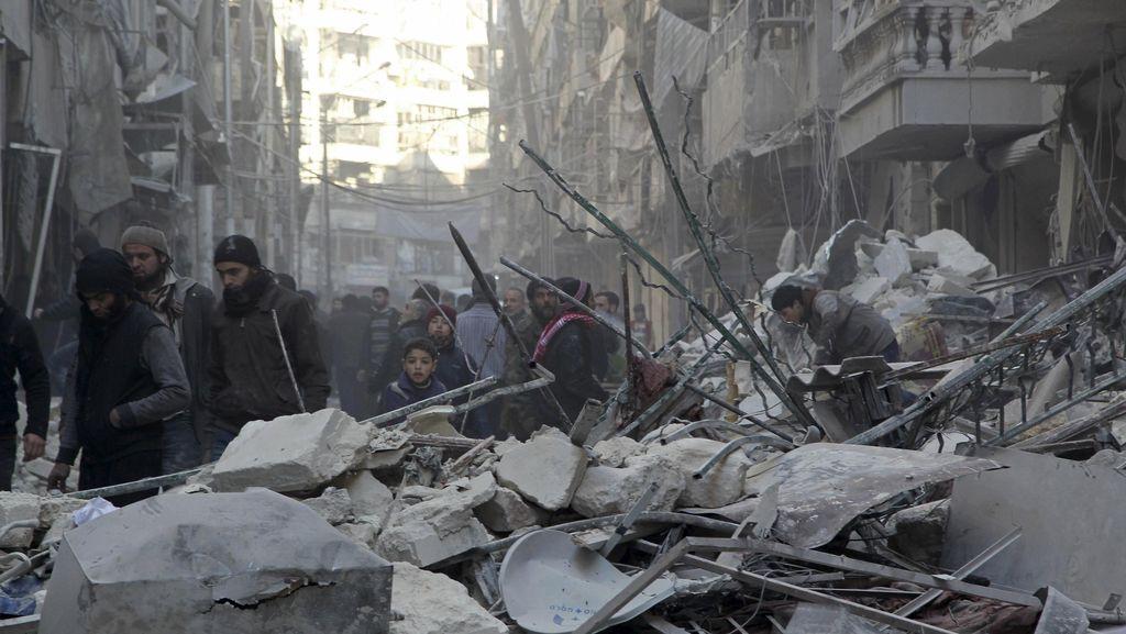 Tentara Pro-Assad Dekati Aleppo, Puluhan Ribu Warga Suriah Kabur