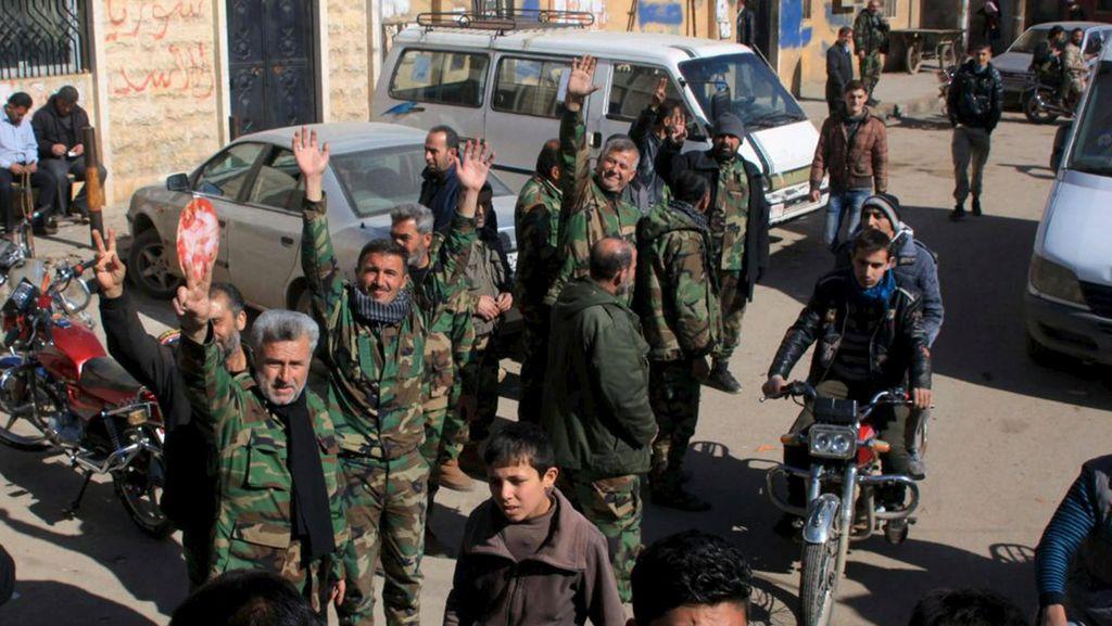 Arab Saudi Kembali Desak AS Gempur Rezim Assad di Suriah