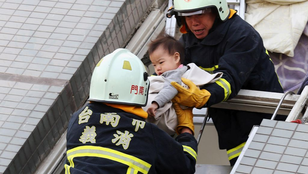 Gempa Taiwan Tewaskan 5 Orang, 31 Orang Lainnya Terjebak Reruntuhan
