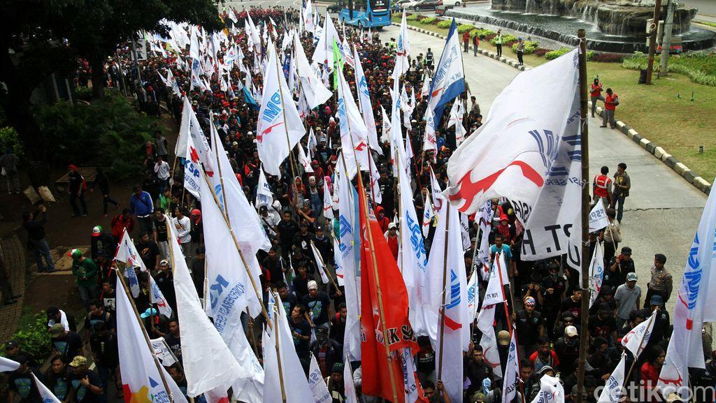 Pagi ini Buruh Demo, Polisi Lakukan Pengamanan Ketat