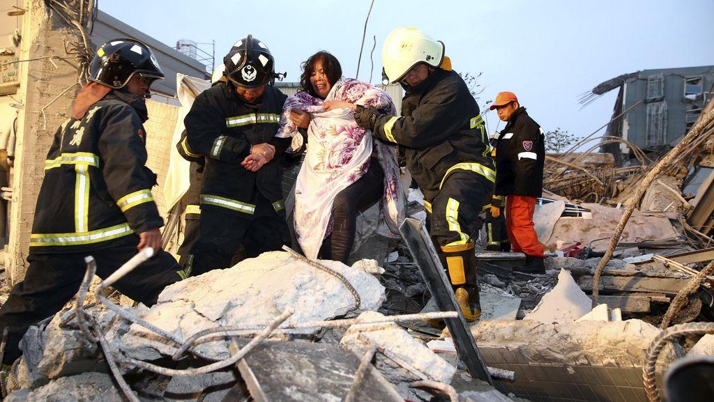 400 Tentara Taiwan Dikerahkan Bantu Cari Korban Gempa 6,4 SR