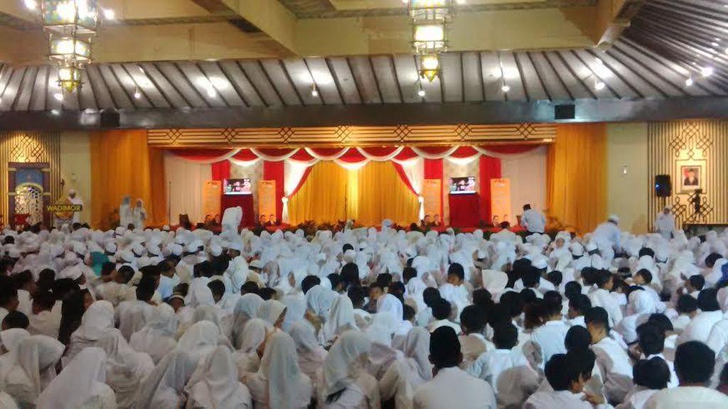 Agung Laksono dan Hidayat Nur Wahid Hadiri Perayaan Puncak HUT MKGR ke-56