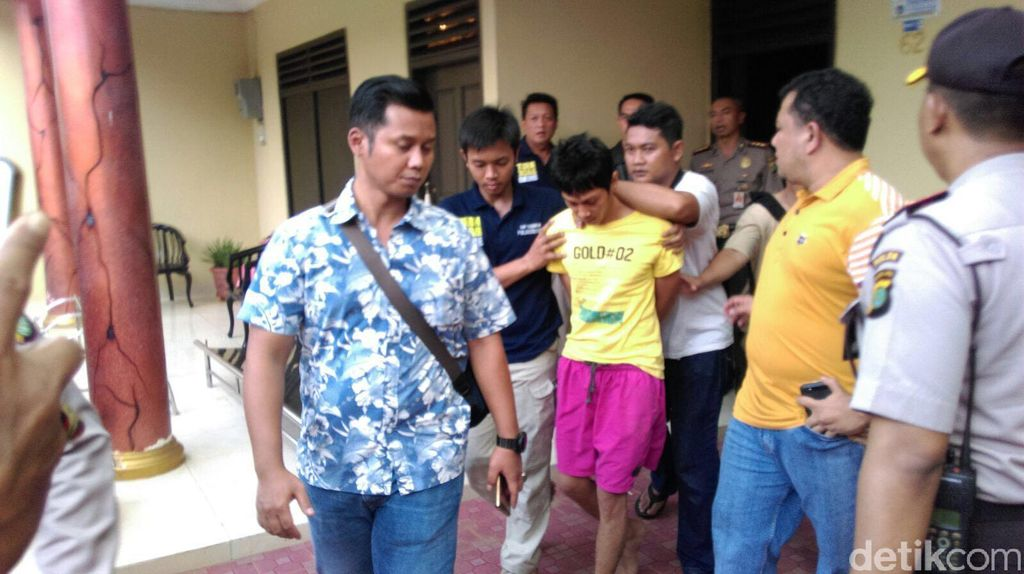 Bocah J Dibekap Begeng Pakai Bantal karena Panik Saat Digerebek Polisi