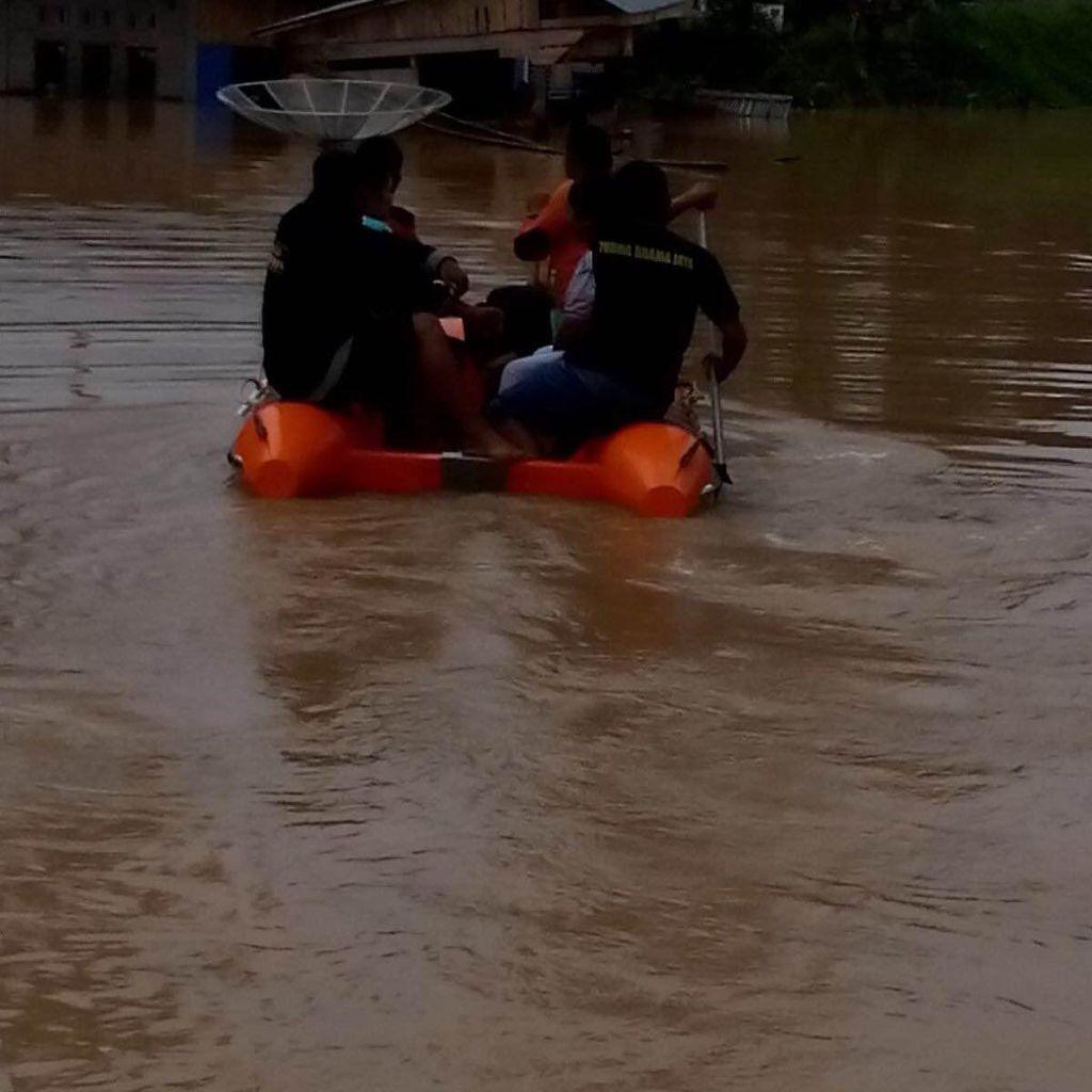 BNPB: Longsor di Sumbar, 3 Orang Tewas dan Jl Payakumbuh-Pekanbaru Lumpuh Total