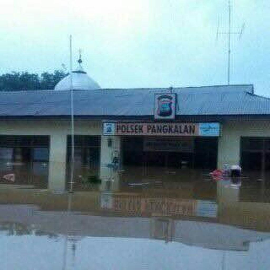Korban Banjir Bandang di Solok Selatan Mulai Kesulitan Air Bersih