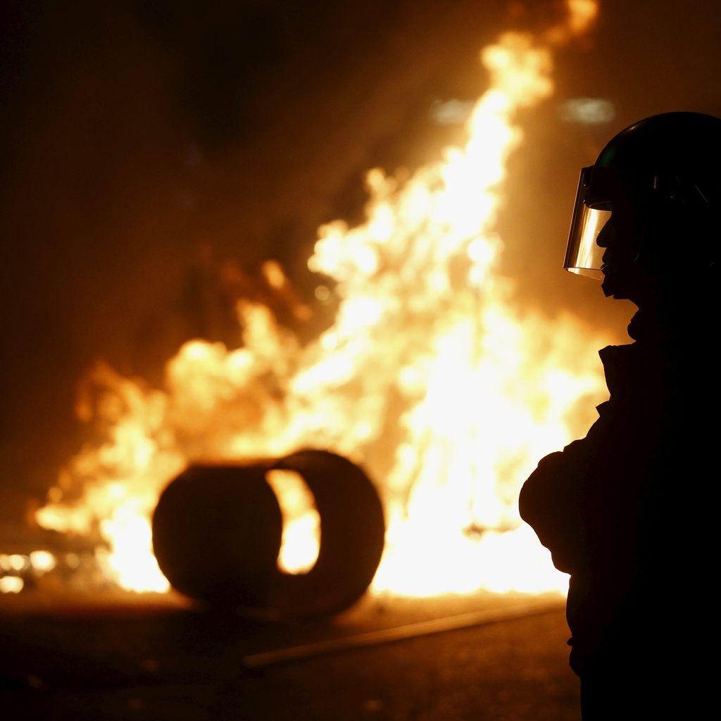 Penggusuran PKL Berujung Bentrok di Hong Kong