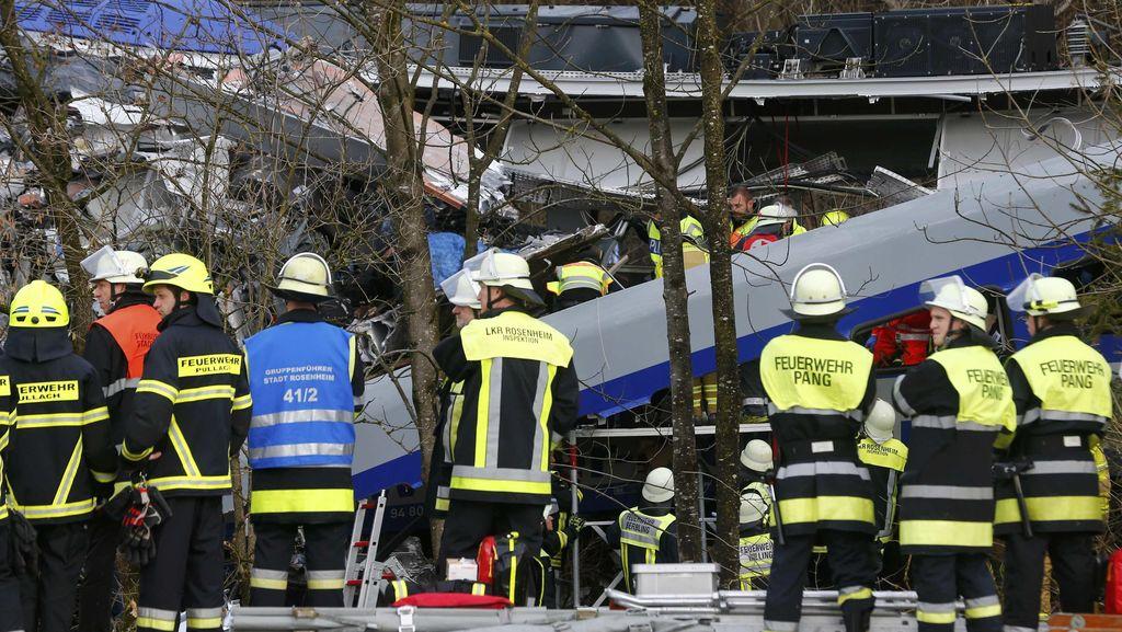 Korban Tewas Tabrakan Kereta di Jerman Jadi 10 orang, 81 Luka-luka