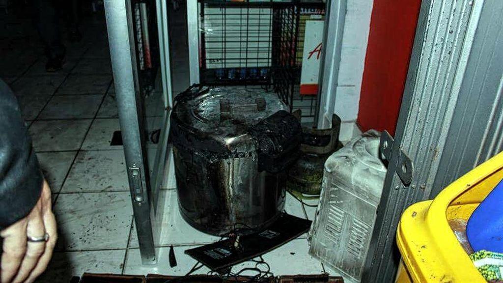 Kebakaran Mini Market di Sukabumi, Satu Orang Kritis di RS