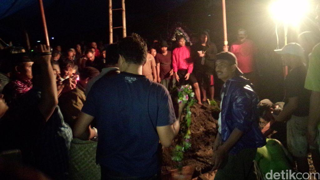Erna, Korban yang Tertimpa Pesawat Super Tucano Dimakamkan di Malang