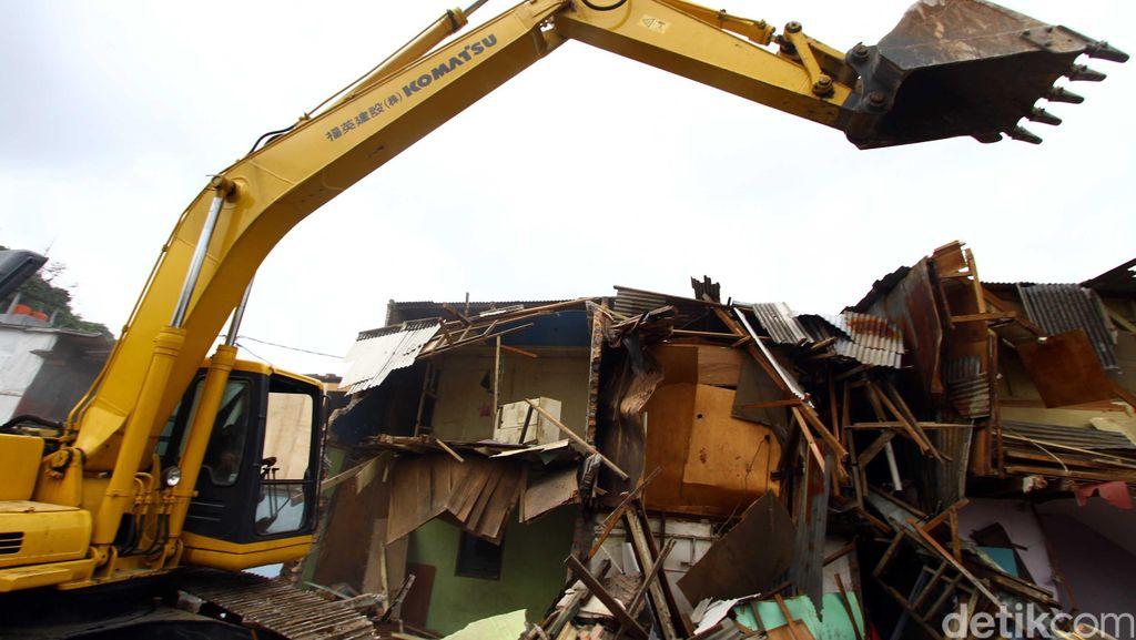 Ratusan Bangunan Liar di Pinangsia Dibongkar