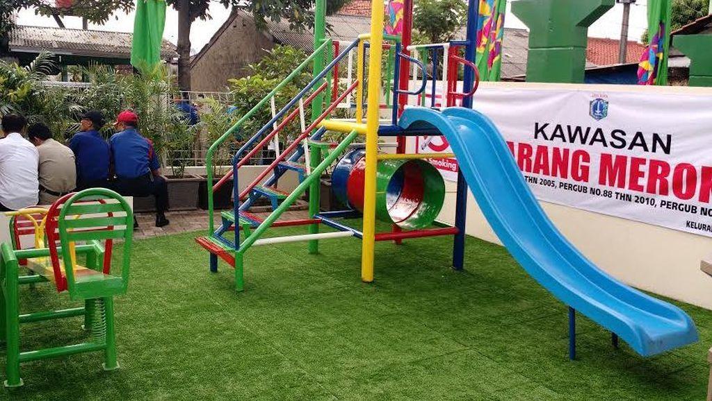 Ahok Resmikan Ruang Ramah Anak di Pesanggrahan, Tempatnya Keren Ada Rumput Sintetis
