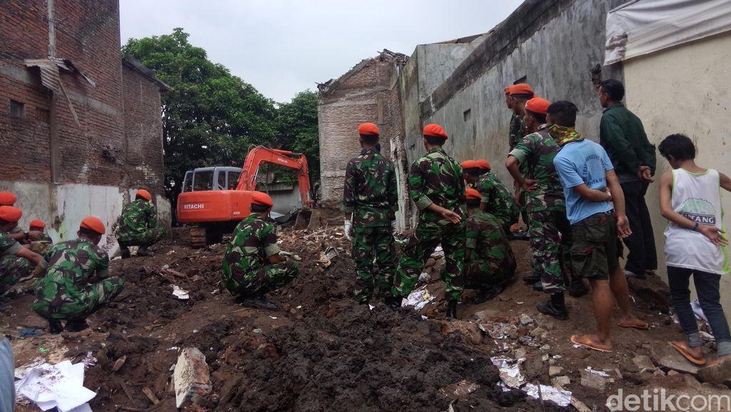 5 Rumah Rusak dan Retak Akibat Jatuhnya Super Tucano akan Dapat Ganti Rugi