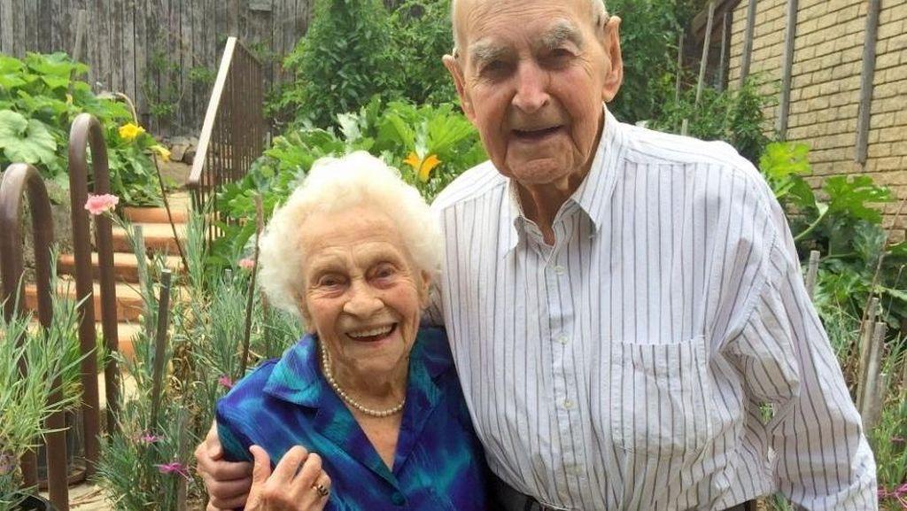 Suami-Istri di Canberra Bersama-sama Rayakan Ulang Tahun ke-100