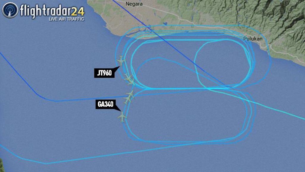 Detik-detik Pesawat Garuda dan Lion Air Nyaris Tabrakan di Langit Bali