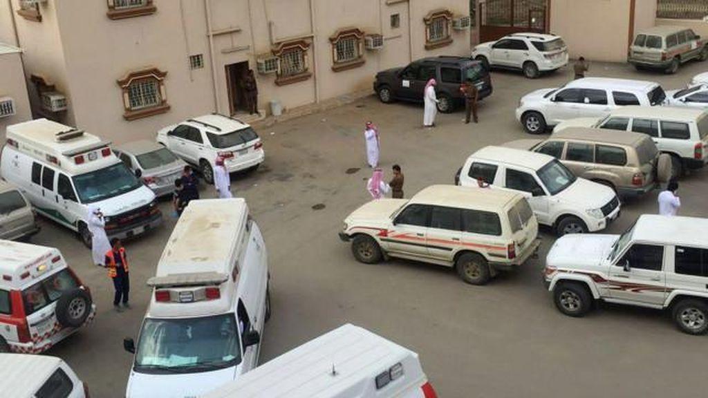 Guru di Arab Saudi Melepas Tembakan, Enam Orang Tewas