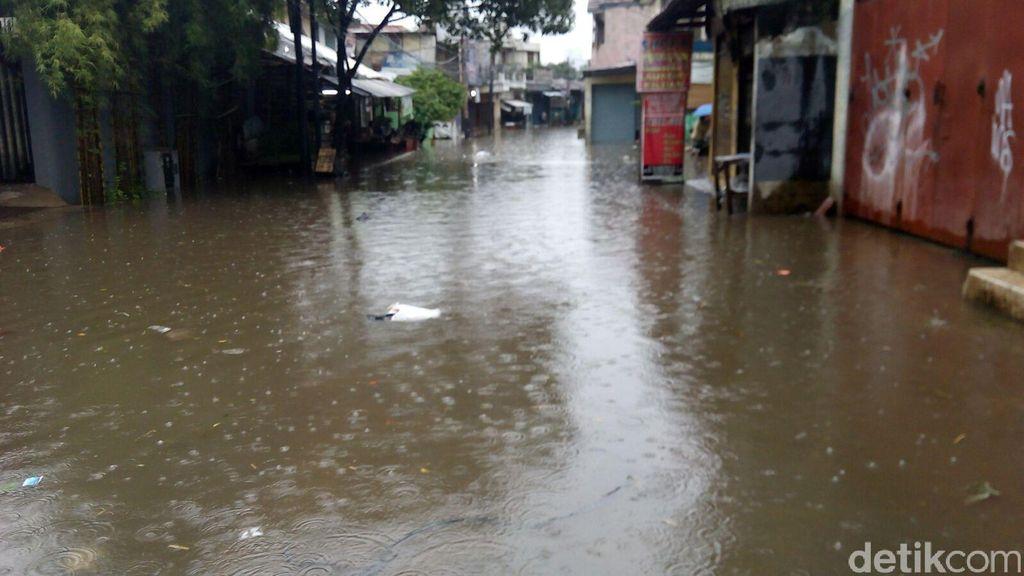 Air Danau Alam Sari Meluap, Pintu Keluar Tol Cikarang Pusat Ditutup