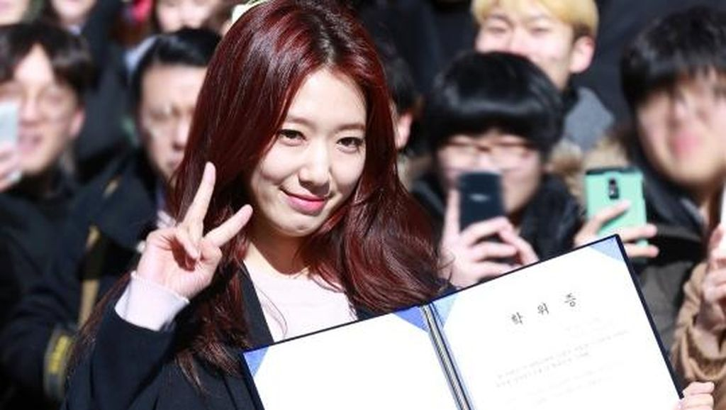 Ingin Kembali ke Usia 20, Park Shin Hye Kangen Clubbing