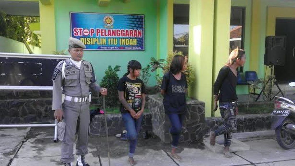 Anak Jalanan Mengaku Suami Istri Tertidur di Kantor KLH Diamankan Satpol PP