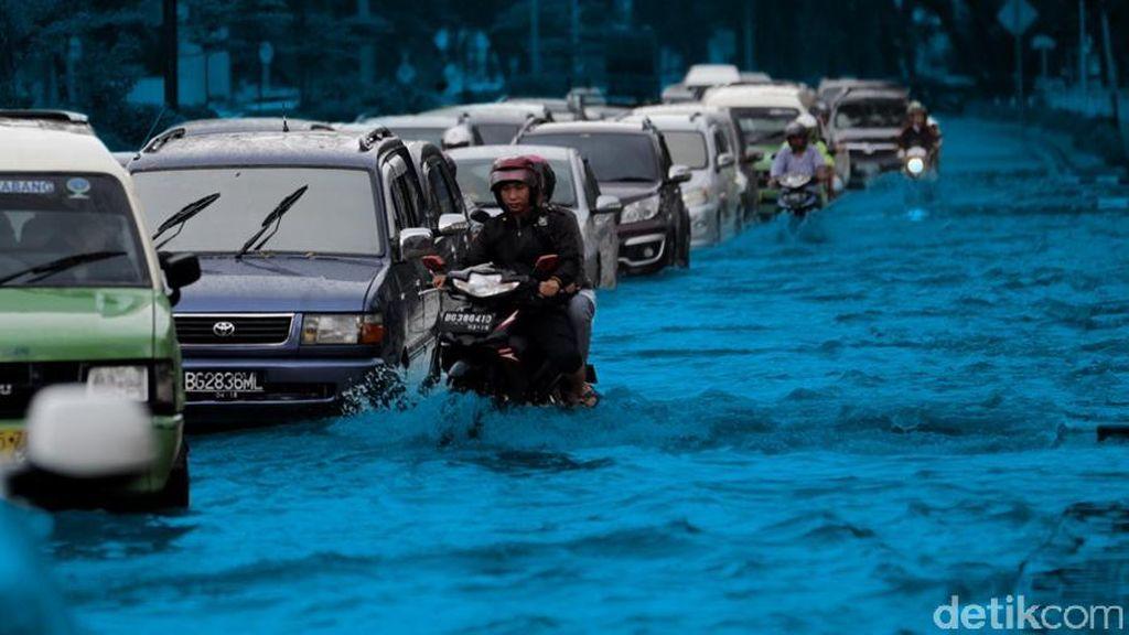 Sempat Setinggi 30 CM, Genangan Air di Kemang Jakarta Selatan Berangsur Surut