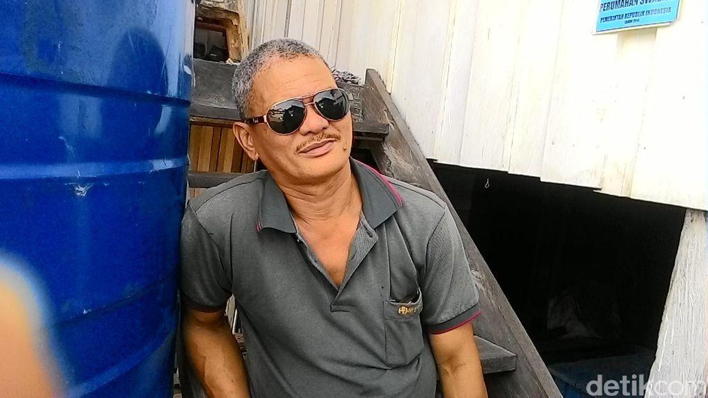 Ini Mangapara yang 39 Tahun Tinggali Rumah Separuh Indonesia dan Malaysia